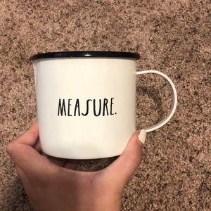 rae dunn measuring cup